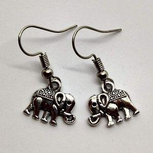 5/$20 Cute elephant earrings